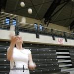 Viveca juggling five balls at Congress of Jugglers 2010